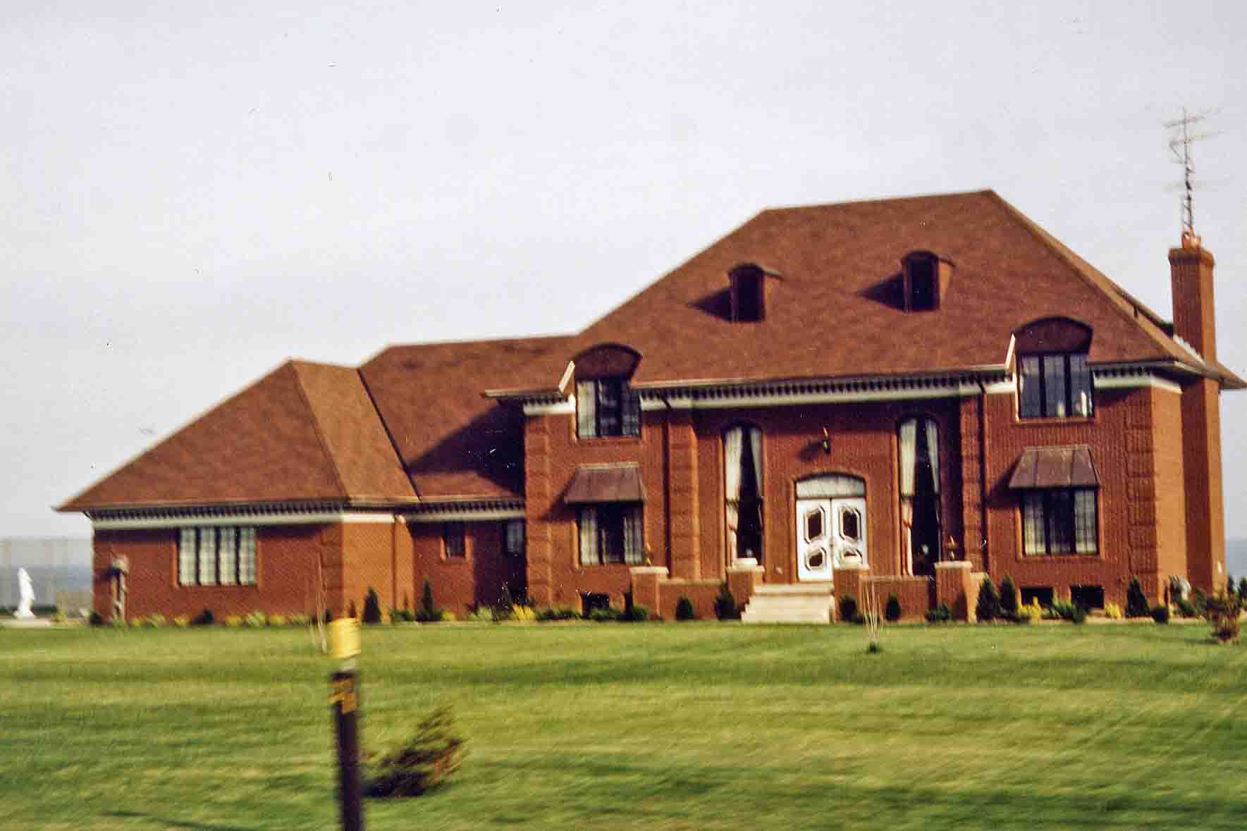 Villa at Lake Erie