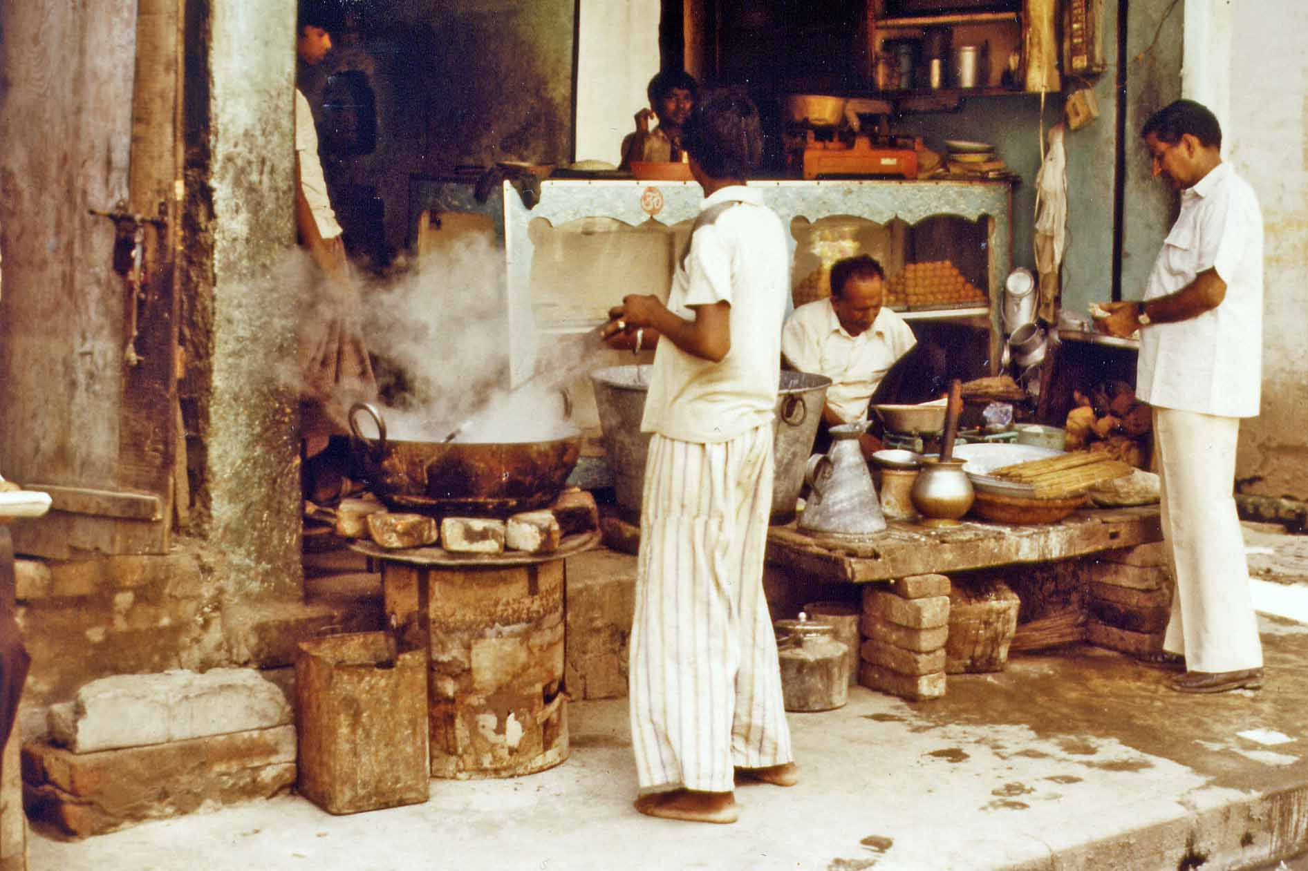 Street kitchen in Amritsar, India 1983