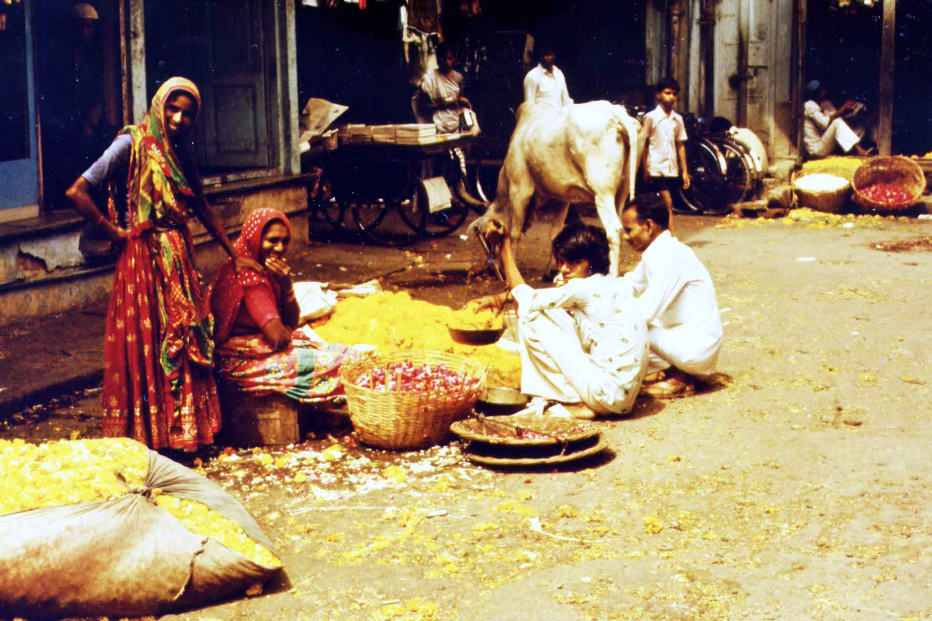 Benares - on the flower market