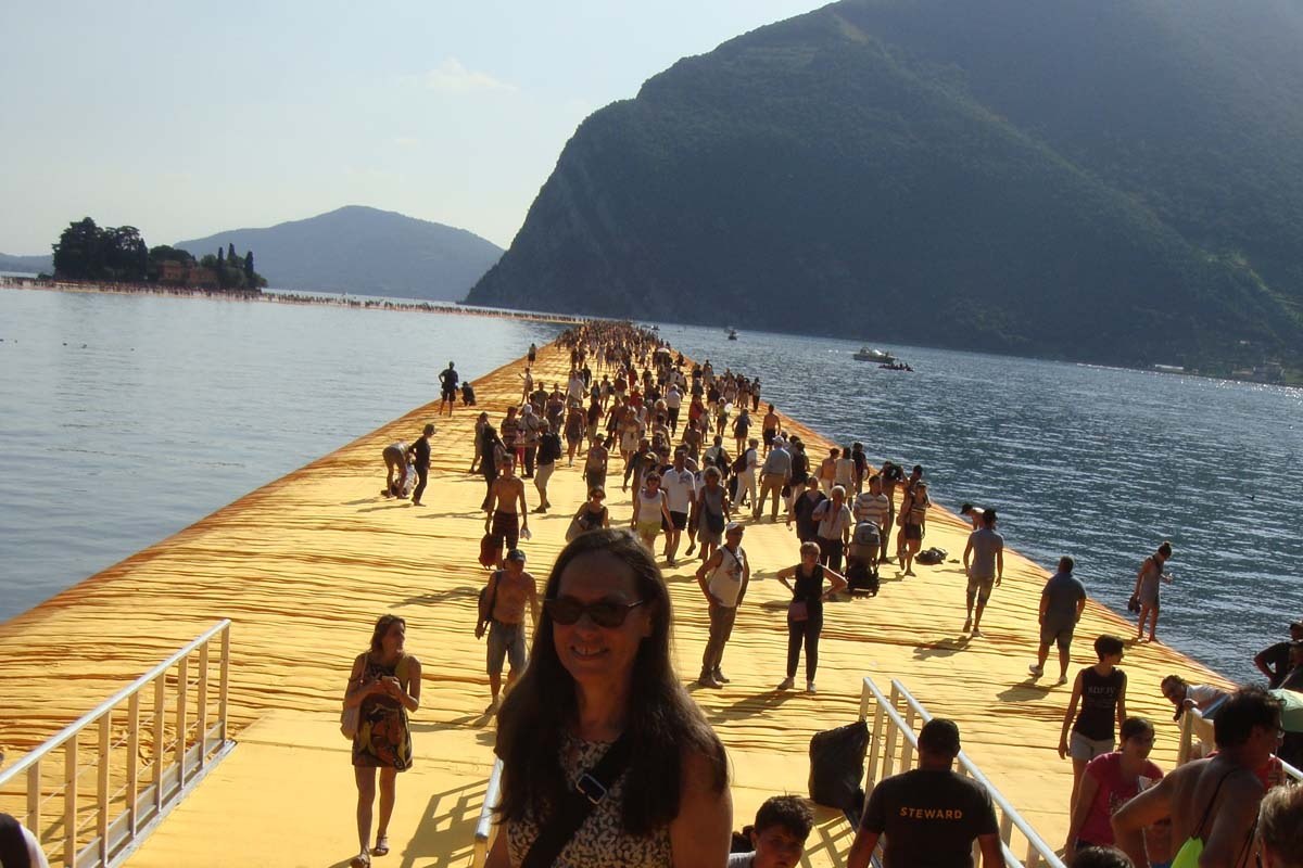 Christo floating piers entrance
