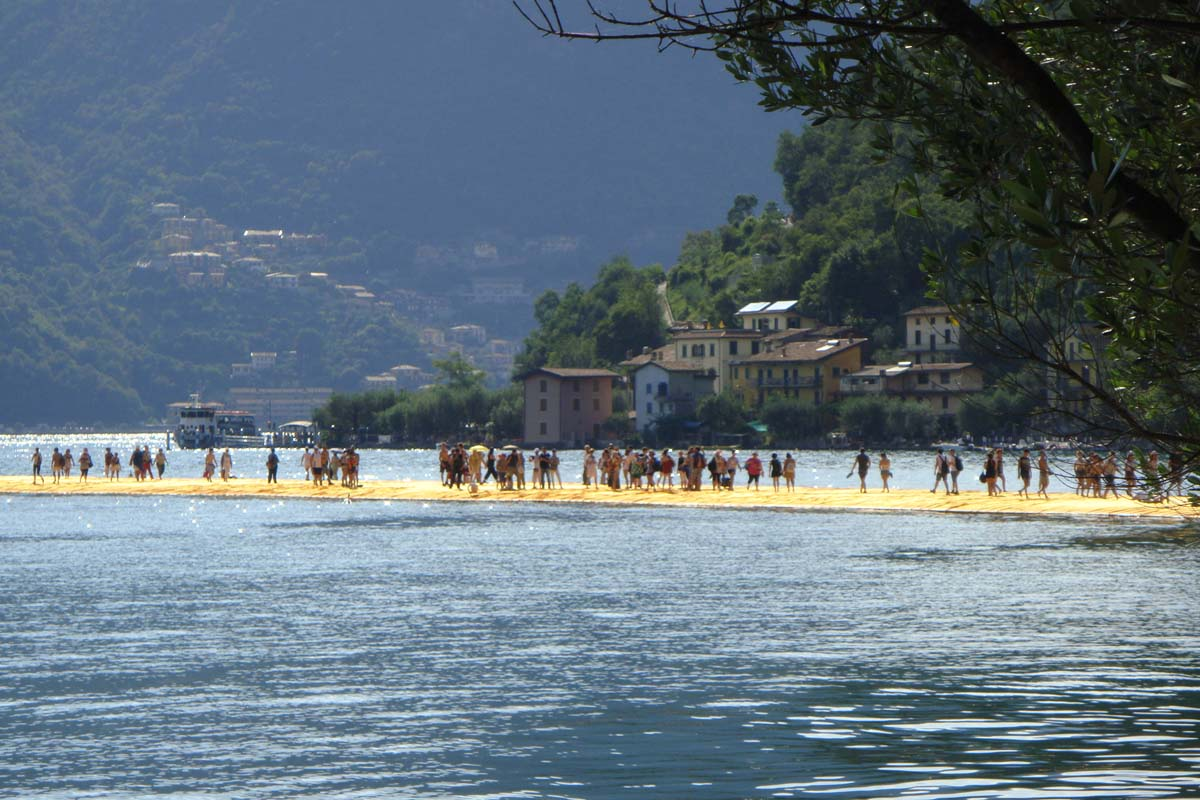 Christo floating piers lago iseo