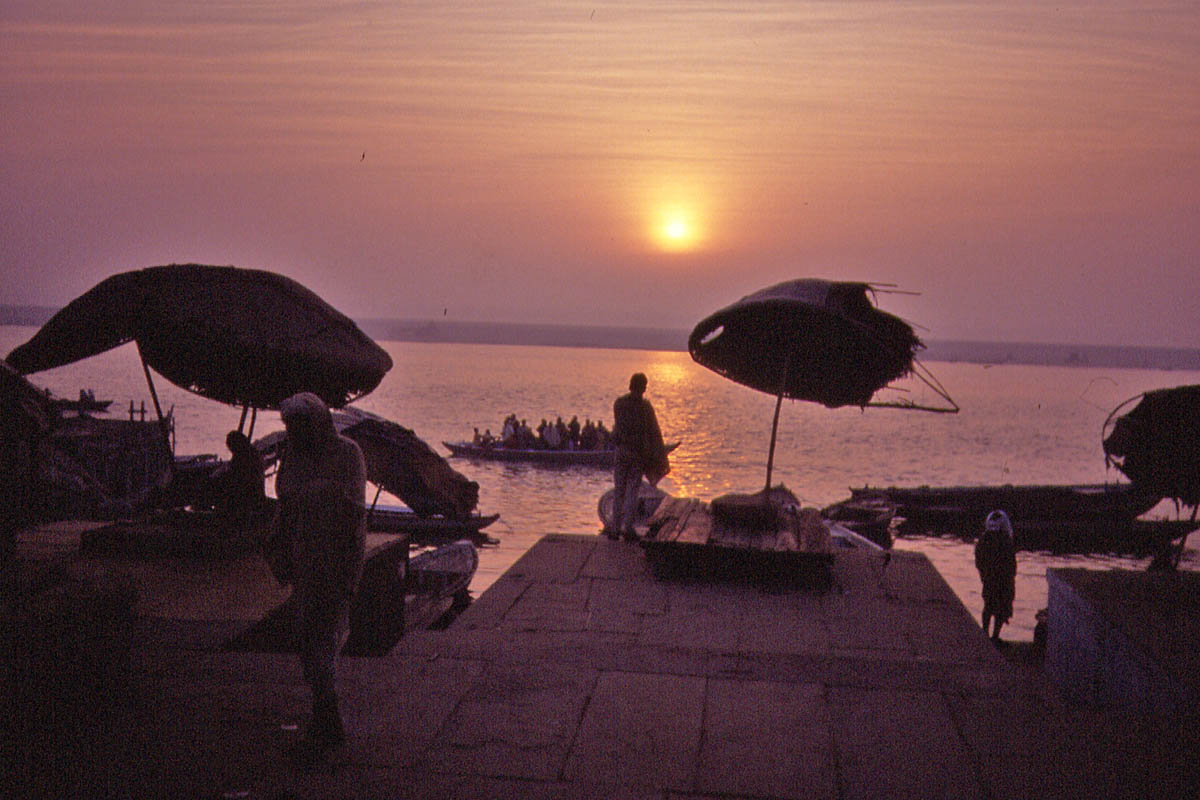 boat on ganges