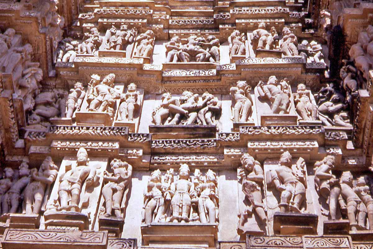sex scenes on temple in kajuraho