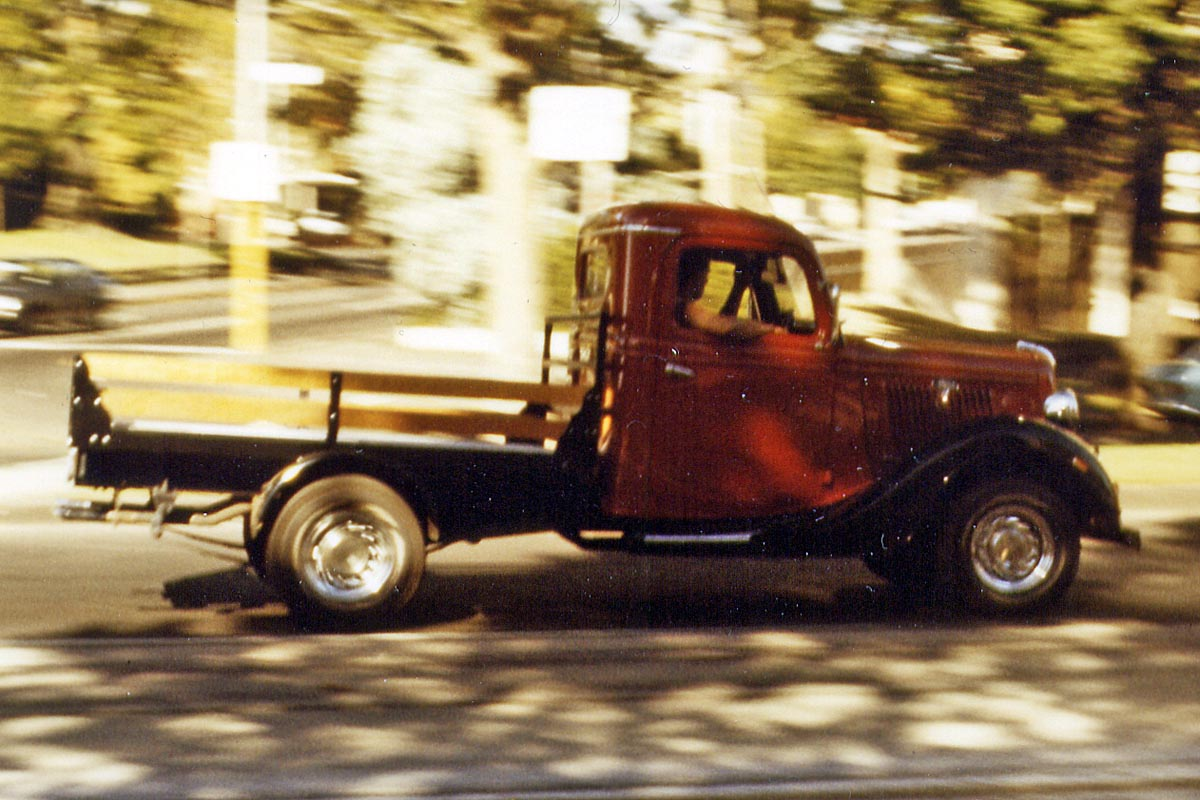 Oldtimer truck in Australia