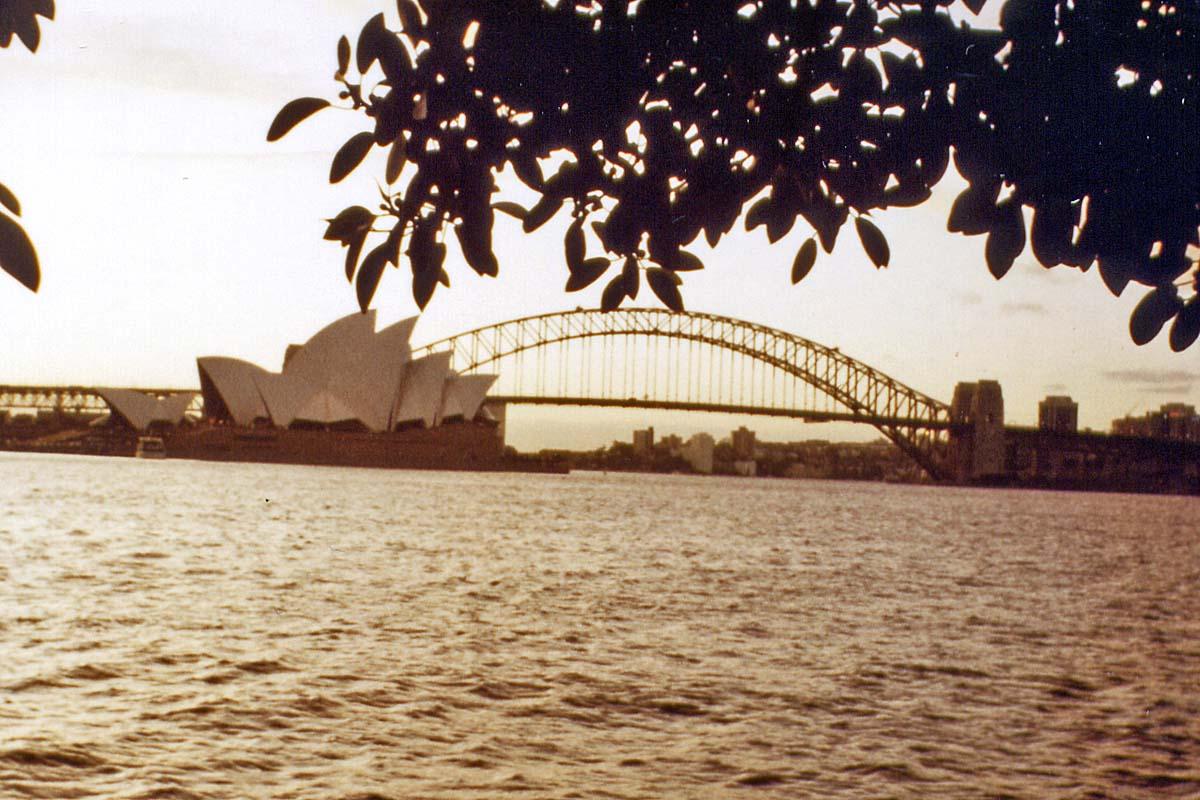 Sydney opera with harbour bridge