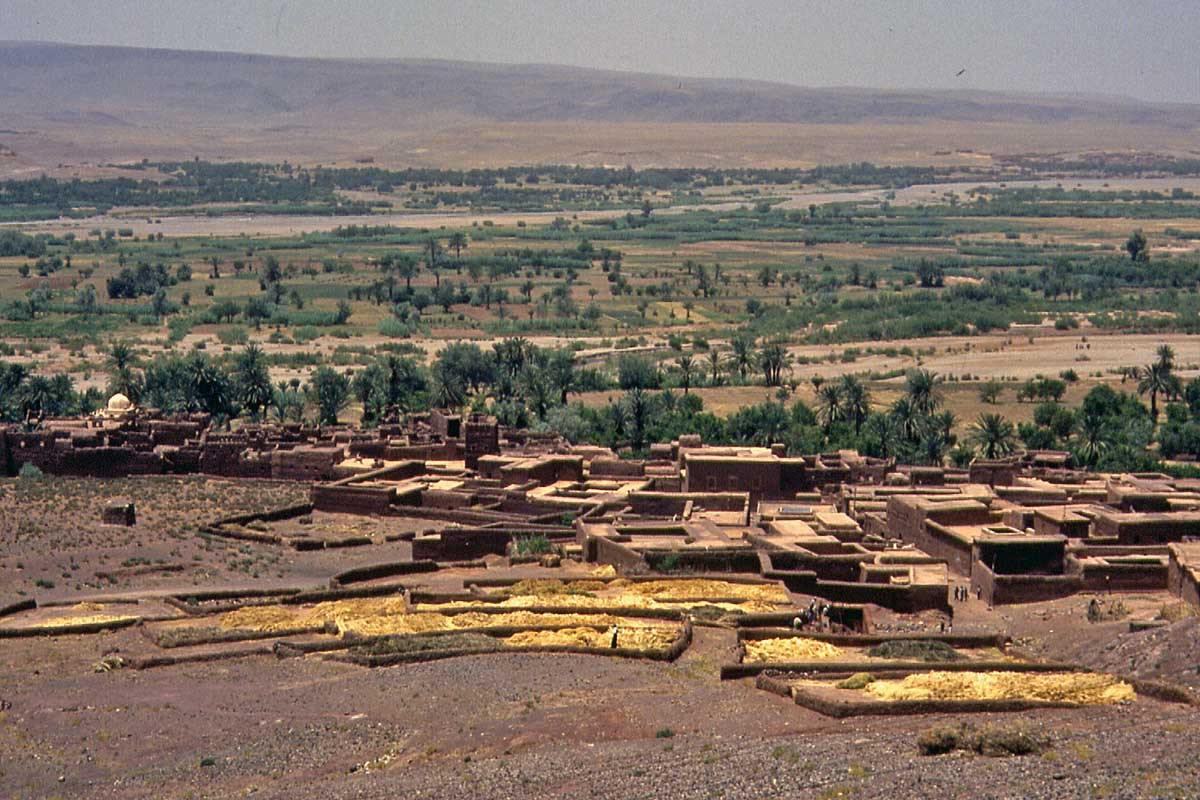 Village at the river in Maroc