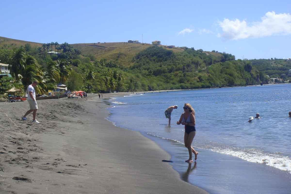 beach on Dominica