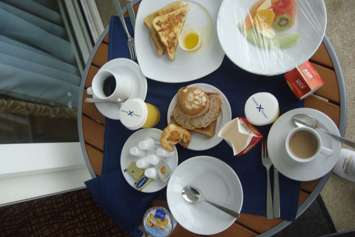 breakfast on cruise