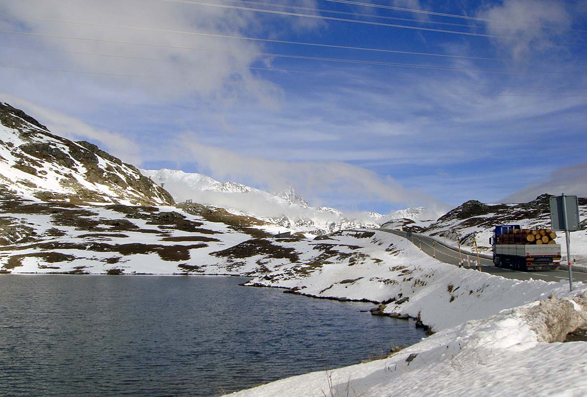 lake bernina