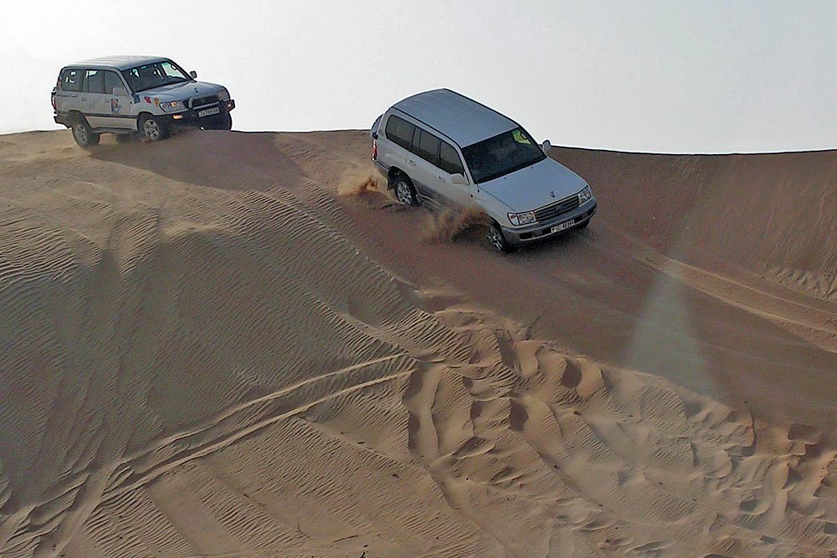 dubai desert landrover