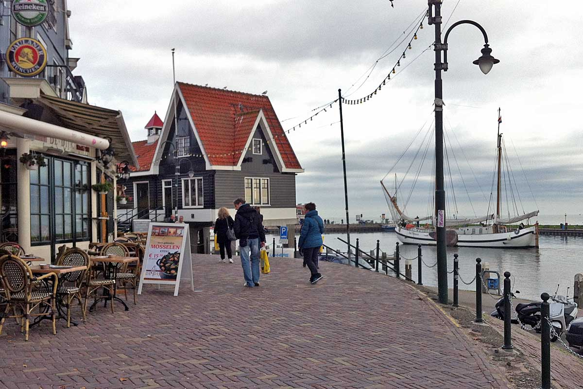 volendam fisher village