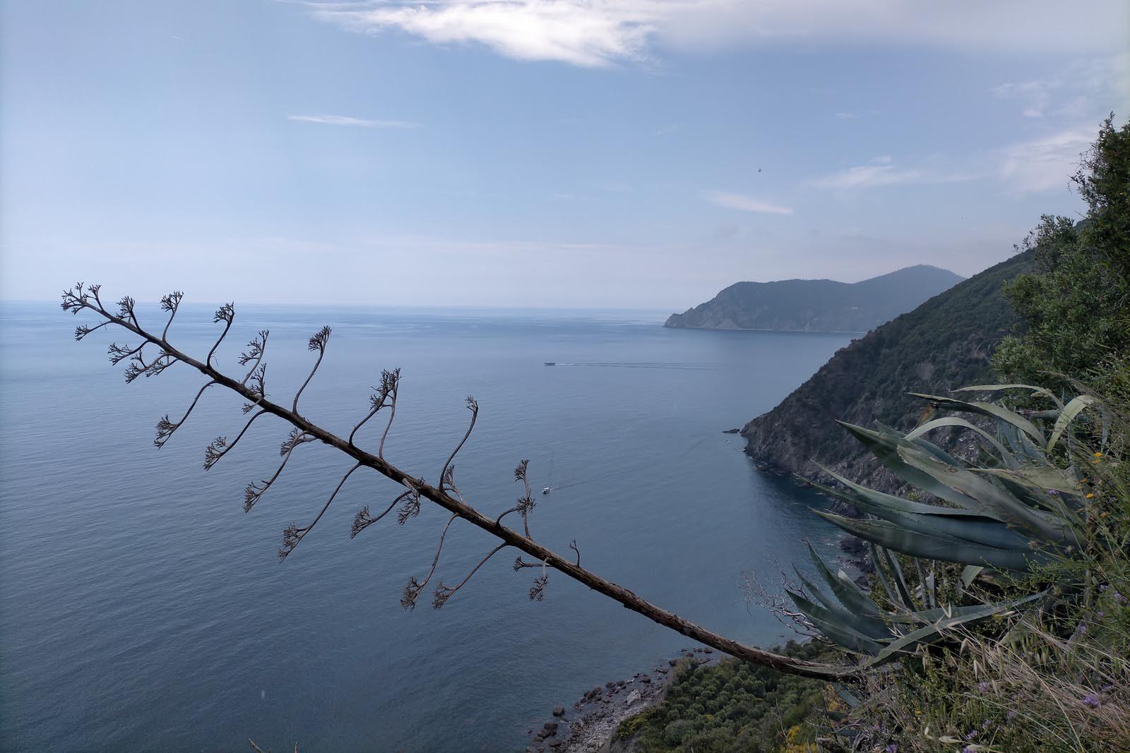 Dieses Bild hat ein leeres Alt-Attribut. Der Dateiname ist 045-Italien-2021-La-Spezia_Vernazza-cinque-terre-1600x1067.jpg