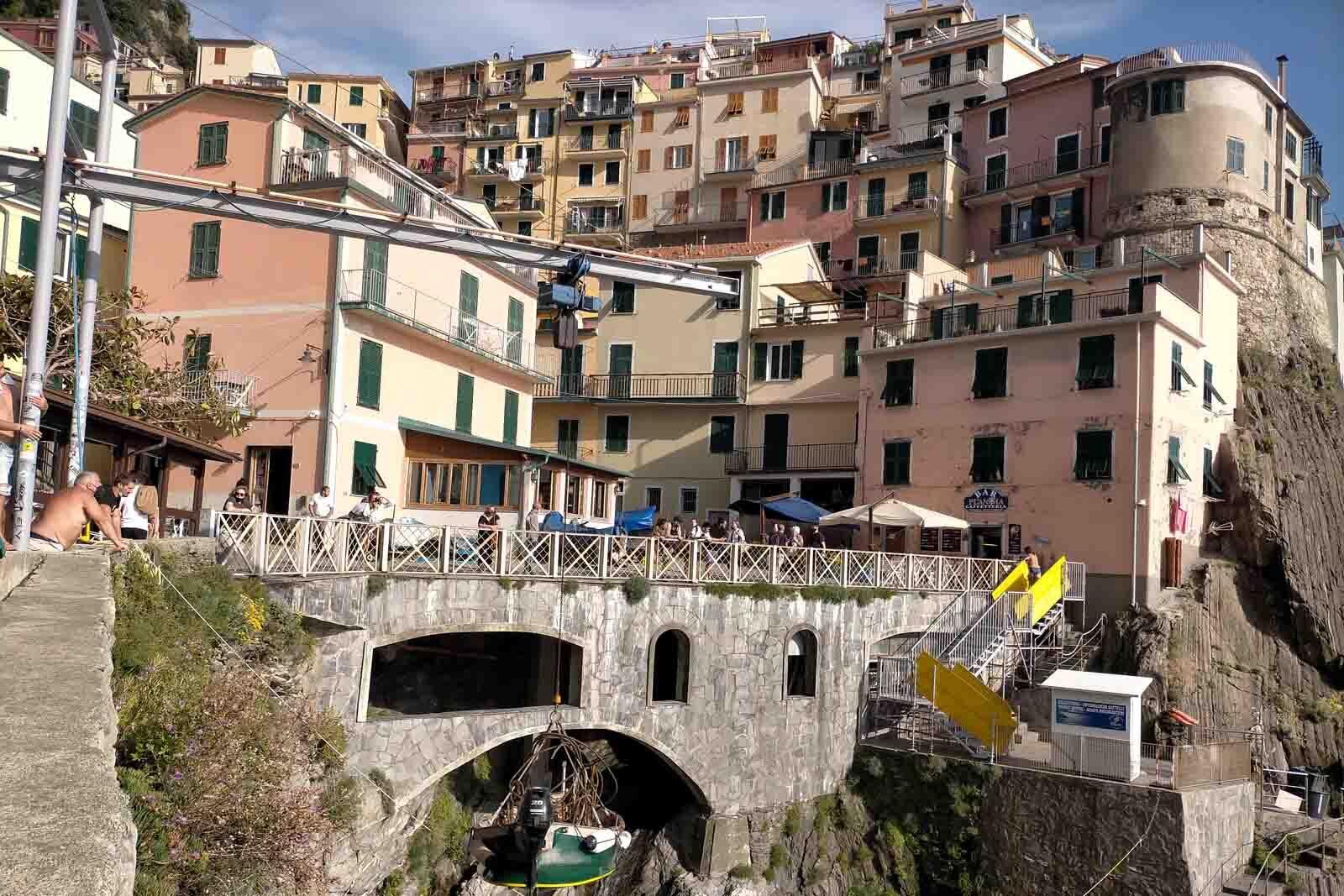 Dieses Bild hat ein leeres Alt-Attribut. Der Dateiname ist 048-Italien-2021-La-Spezia_Manarola-cinque-terre-1600x1067.jpg