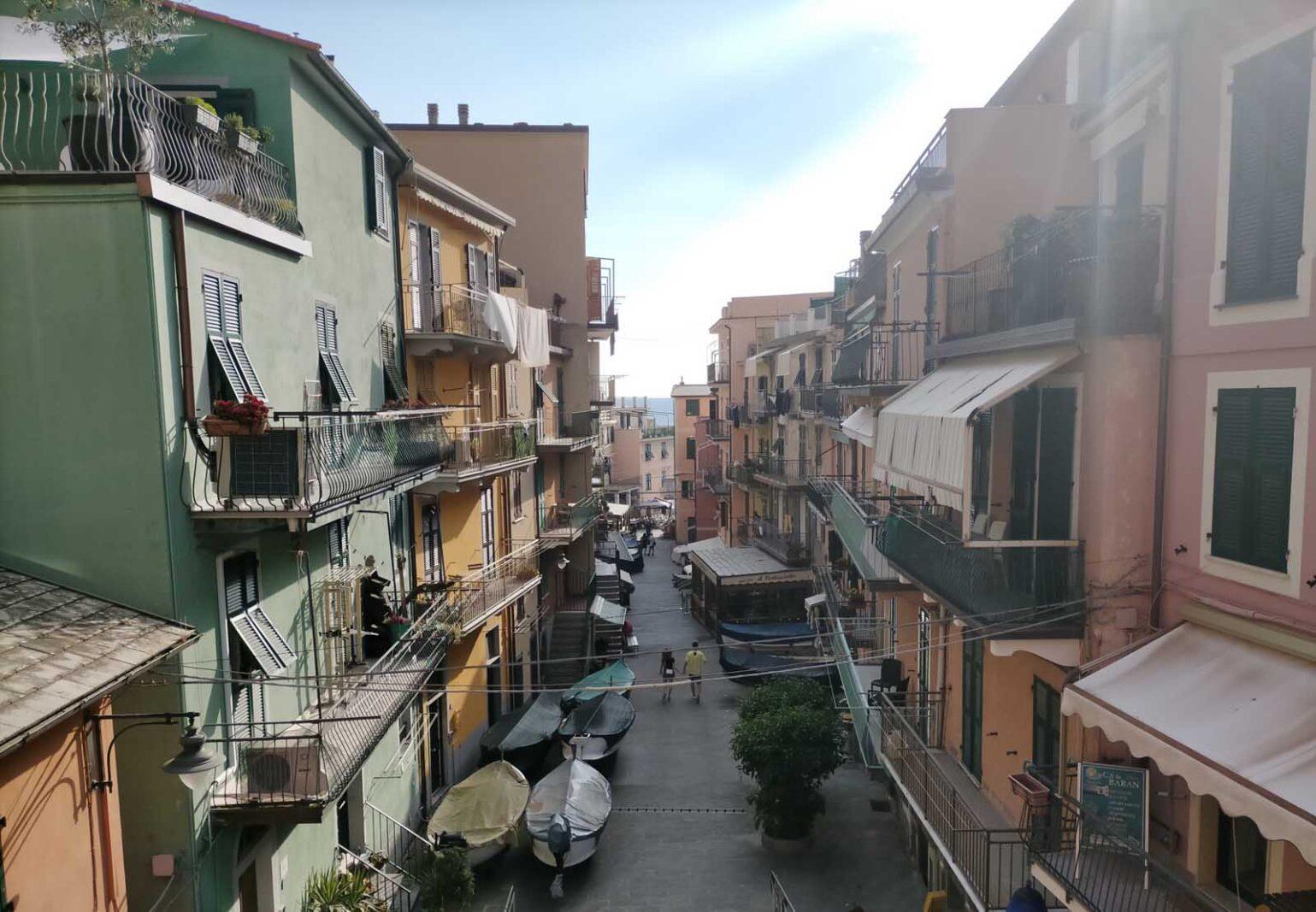 Dieses Bild hat ein leeres Alt-Attribut. Der Dateiname ist 049-Italien-2021-La-Spezia_Manarola-cinque-terre-1539x1067.jpg