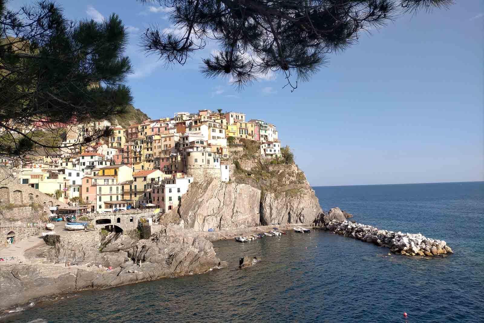 Dieses Bild hat ein leeres Alt-Attribut. Der Dateiname ist 050-Italien-2021-La-Spezia_Manarola-cinque-terre-1600x1067.jpg