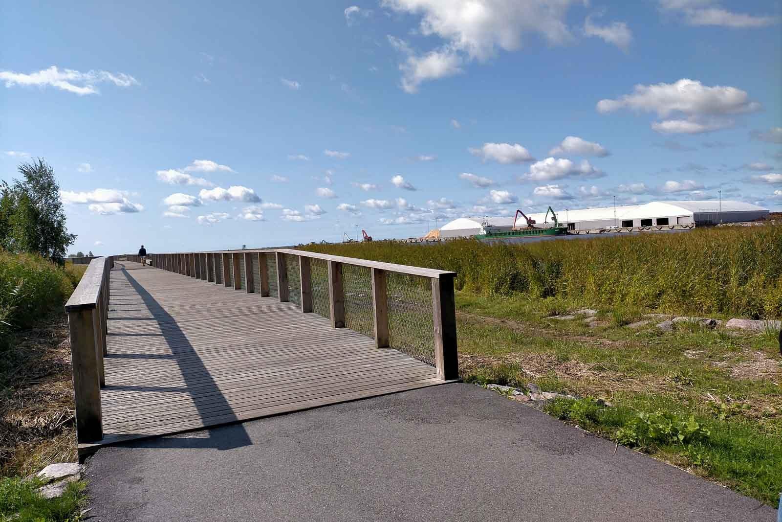 Dieses Bild hat ein leeres Alt-Attribut. Der Dateiname ist 199-Estland-Roadtrip-Paernu-Fluss-Walk-1600x1067.jpg